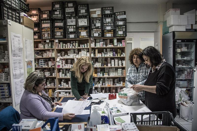 """Distribuzione di medicine gratuite alla """"Clinica metropolitana di Elleniko"""""""
