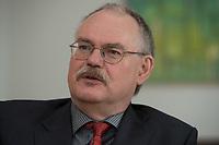 08 MAY 2012, BERLIN/GERMANY:<br /> Prof. Dr. Gert G. Wagner, Vorstandsvorsitzender DIW Berlin, waehrend einem Interview, in seinem Buero, Deutsches Institut für Wirtschaftsforschung e.V. <br /> IMAGE: 20120508-02-005<br /> KEYWORDS: Gerd Wagner