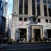 Tiffany & Co. Store on 5th Avenue in New York. Manhattan, New York, USA.  Photo Tim Clayton