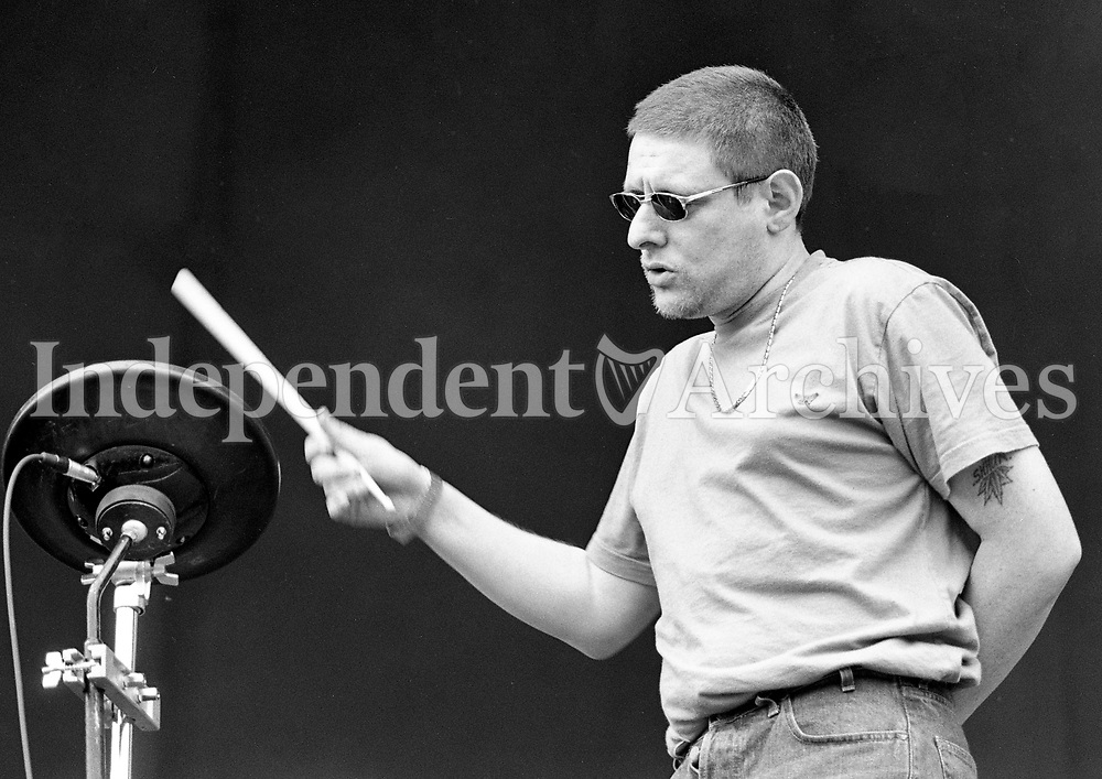 Shaun Ryder on stage during the Blur Concert at the RDS, Dublin, 22/06/1996 (Part of the Independent Newspapers Ireland/NLI Collection).