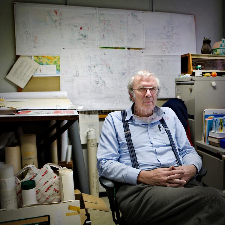 dr. piet kooi, archeoloog, gaat met pensioen.  foto: Pepijn van den Broeke