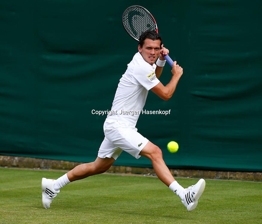Wimbledon Championships 2013, AELTC,London,<br /> ITF Grand Slam Tennis Tournament, Tobias Kamke (GER),Aktion,Einzelbild,<br /> Ganzkoerper,Querformat,