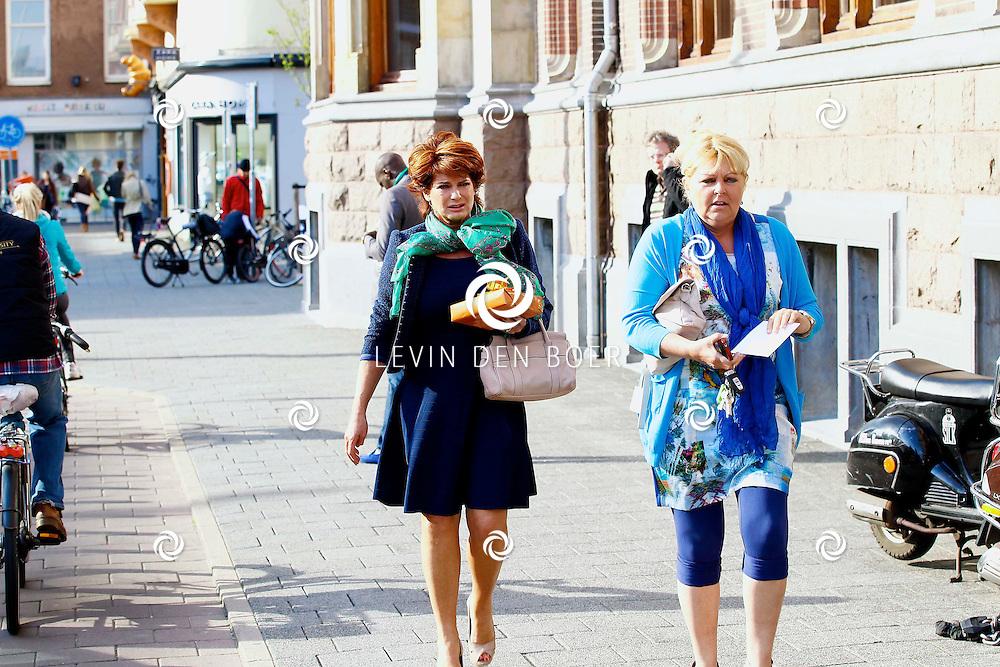 AMSTERDAM - In het Conservatorium Hotel vierde Leco Zadelhoff zijn 45ste verjaardag. Met op de foto  Yvonne Brandsteder (roodhaar). FOTO LEVIN DEN BOER  - PERSFOTO.NU