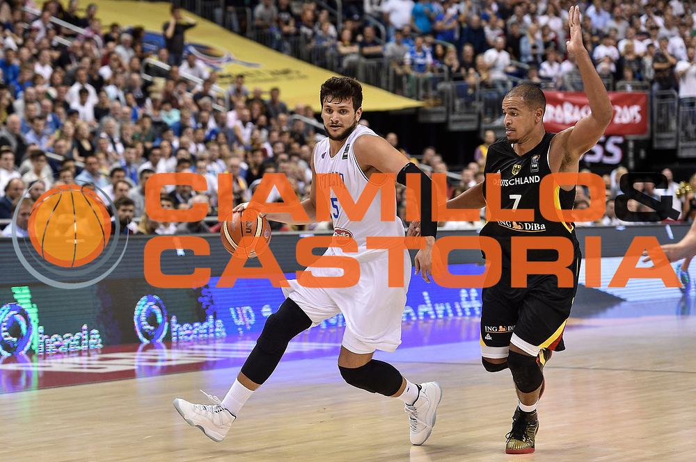 DESCRIZIONE : Berlino Berlin Eurobasket 2015 Group B Germany Germania - Italia Italy<br /> GIOCATORE : Alessandro Gentile<br /> CATEGORIA : Palleggio Penetrazione<br /> SQUADRA : Italia Italy<br /> EVENTO : Eurobasket 2015 Group B<br /> GARA : Germany Italy - Germania Italia<br /> DATA : 09/09/2015<br /> SPORT : Pallacanestro<br /> AUTORE : Agenzia Ciamillo-Castoria/GiulioCiamillo