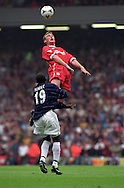11.09.1999, Anfield Road, Liverpool, England. .FA Premiership, Liverpool FC v Manchester United. Sami Hyypi? (LFC) v Dwight Yorke (ManU)..©JUHA TAMMINEN
