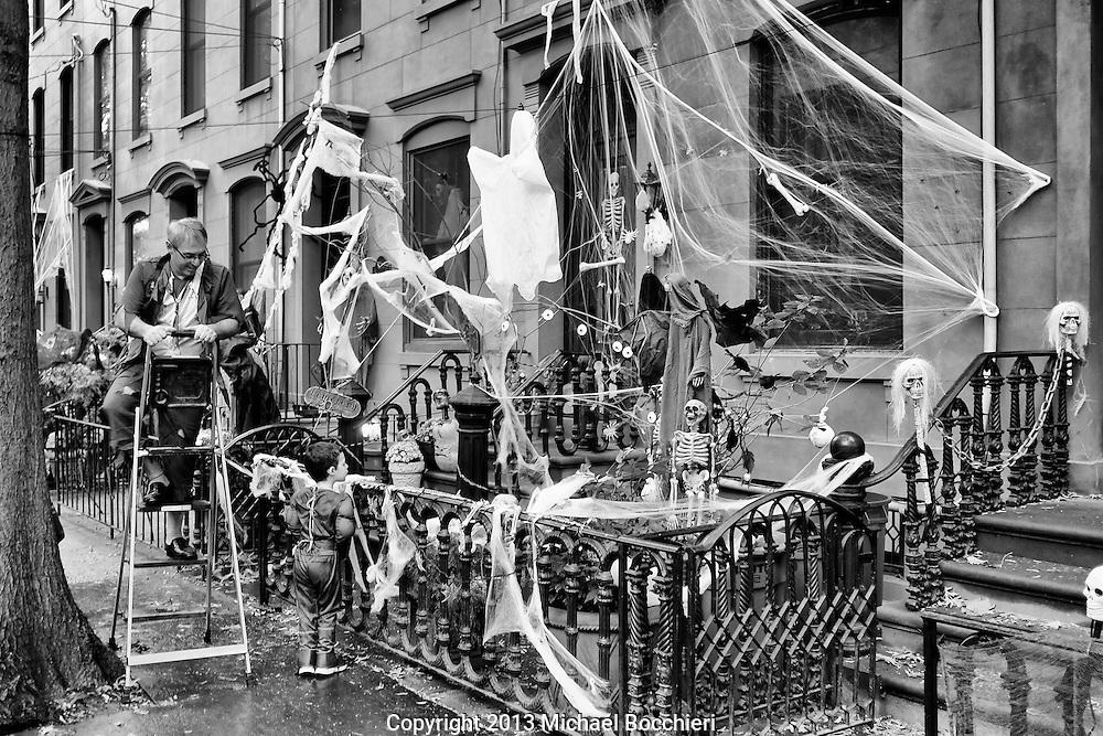 HOBOKEN, NJ - October 31:  Hoboken Halloween Ragamuffin Parade on October 31, 2013 in HOBOKEN, NJ.  (Photo by Michael Bocchieri/Bocchieri Archive)