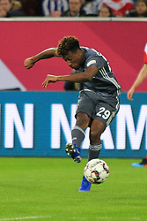 13.01.2019, Merkur Spiel Arena, Duesseldorf, GER, Telekom Cup, FC Bayern Muenchen vs Borussia Moenchengladbach, im Bild Kingsley Coman (Muenchen) mit Ball // during the Telekom Cup Match between FC Bayern Muenchen and Borussia Moenchengladbach at the Merkur Spiel Arena in Duesseldorf, Germany on 2019/01/13. EXPA Pictures © 2019, PhotoCredit: EXPA/ Eibner-Pressefoto/ Mario Hommes<br /> <br /> *****ATTENTION - OUT of GER*****
