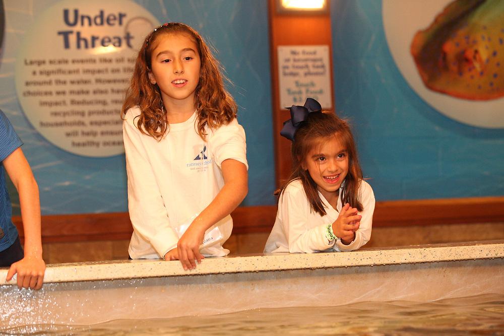 Members of YPO spend a family night at Turtleback Zoo on October 13, 2017 in West Orange, NJ. (David Welker)
