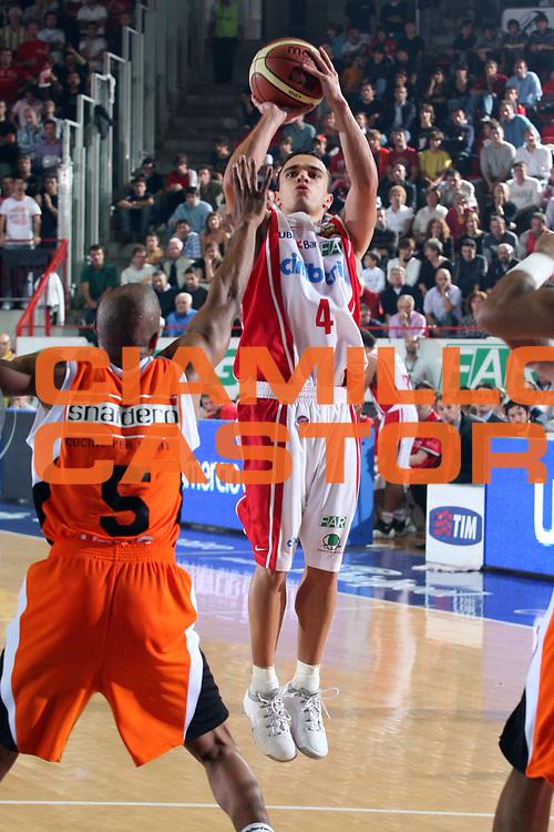 DESCRIZIONE : Varese Lega A1 2007-08 Cimberio Varese Snaidero Udine<br /> GIOCATORE : Marco Passera<br /> SQUADRA : Cimberio Varese<br /> EVENTO : Campionato Lega A1 2007-2008<br /> GARA : Cimberio Varese Snaidero Udine<br /> DATA : 06/10/2007<br /> CATEGORIA : Tiro<br /> SPORT : Pallacanestro<br /> AUTORE : Agenzia Ciamillo-Castoria/S.Ceretti<br /> Galleria : Lega Basket A1 2007-2008<br /> Fotonotizia : Varese Campionato Italiano Lega A1 2007-2008 Cimberio Varese Snaidero Udine<br /> Predefinita :