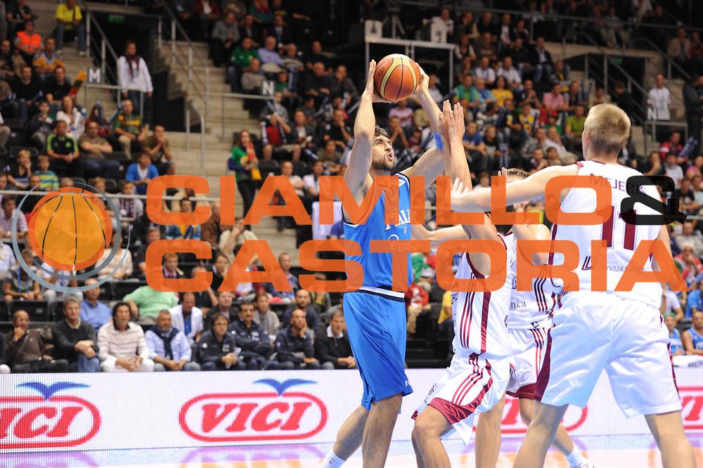 DESCRIZIONE : Siauliai Lithuania Lituania Eurobasket Men 2011 Preliminary Round Italia Lettonia Italy Latvia<br /> GIOCATORE : Andrea Bargnani<br /> SQUADRA : Italia Italy<br /> EVENTO : Eurobasket Men 2011<br /> GARA : Italia Lettonia Italy Latvia<br /> DATA : 02/09/2011 <br /> CATEGORIA : tiro<br /> SPORT : Pallacanestro <br /> AUTORE : Agenzia Ciamillo-Castoria/GiulioCiamillo<br /> Galleria : Eurobasket Men 2011 <br /> Fotonotizia : Siauliai Lithuania Lituania Eurobasket Men 2011 Preliminary Round Italia Lettonia Italy Latvia<br /> Predefinita :
