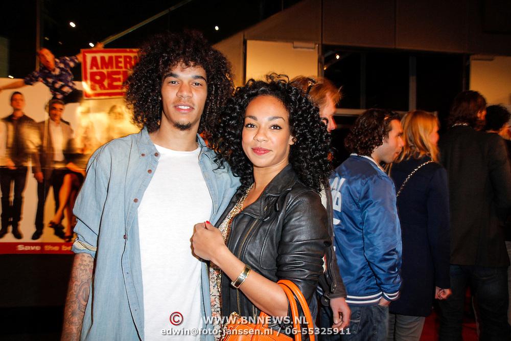 NLD/Amsterdam/20120326 - Inloop premiere American Pie: Reunion, Veronica Hoogdalem en partner rapper Digitzz, echte naam Nigel Williams