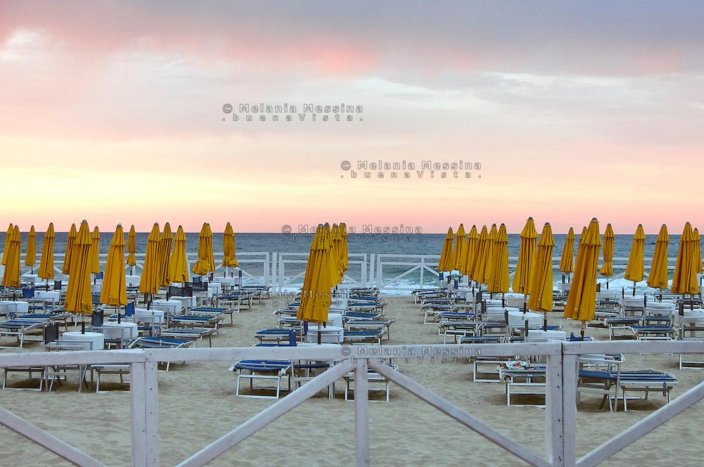 Mondello beach during sunset.<br /> La spiaggia di Mondello al tramonto