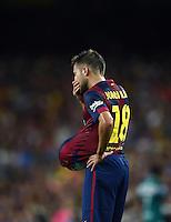 FUSSBALL  INTERNATIONAL   SAISON 2011/2012   18.08.2014 Gamper Cup 2014 FC Barcelona - Leon FC Jordi Alba (Barca) mit dem Ball unter seinem Trikot