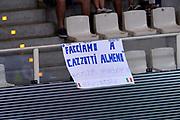 DESCRIZIONE : Trento Nazionale Italia Uomini Trentino Basket Cup Italia Austria Italy Austria<br /> GIOCATORE : tifosi<br /> CATEGORIA : tifosi curiosita<br /> SQUADRA : Italia Italy<br /> EVENTO : Trentino Basket Cup<br /> GARA : Italia Austria Italy Austria<br /> DATA : 31/07/2015<br /> SPORT : Pallacanestro<br /> AUTORE : Agenzia Ciamillo-Castoria/Max.Ceretti<br /> Galleria : FIP Nazionali 2015<br /> Fotonotizia : Trento Nazionale Italia Uomini Trentino Basket Cup Italia Austria Italy Austria