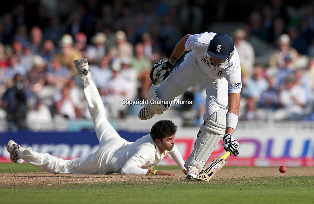 Kevin Pietersen in past bowler Sreesanth during his century in the fourth and final npower Test Match between England and India at the Oval, London.  Photo: Graham Morris (Tel: +44(0)20 8969 4192 Email: sales@cricketpix.com) 19/08/11