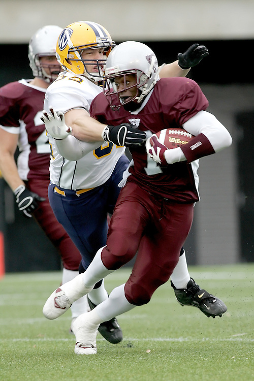 (20 October 2007 -- Ottawa) The University of Ottawa Gee Gees football team defeated the University of Windsor Lancers 43-2 to complete a perfect undefeated season. The player pictured is Christopher Bromfield