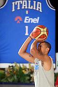 DESCRIZIONE : Bormio Ritiro Nazionale Italiana Maschile Preparazione Eurobasket 2007 Allenamento Preparazione fisica<br /> GIOCATORE : Daniel Hackett<br /> SQUADRA : Nazionale Italia Uomini EVENTO : Bormio Ritiro Nazionale Italiana Uomini Preparazione Eurobasket 2007 GARA : <br /> DATA : 22/07/2007 <br /> CATEGORIA : Allenamento <br /> SPORT : Pallacanestro <br /> AUTORE : Agenzia Ciamillo-Castoria/E.Castoria<br /> Galleria : Fip Nazionali 2007 <br /> Fotonotizia : Bormio Ritiro Nazionale Italiana Maschile Preparazione Eurobasket 2007 Allenamento <br /> Predefinita :