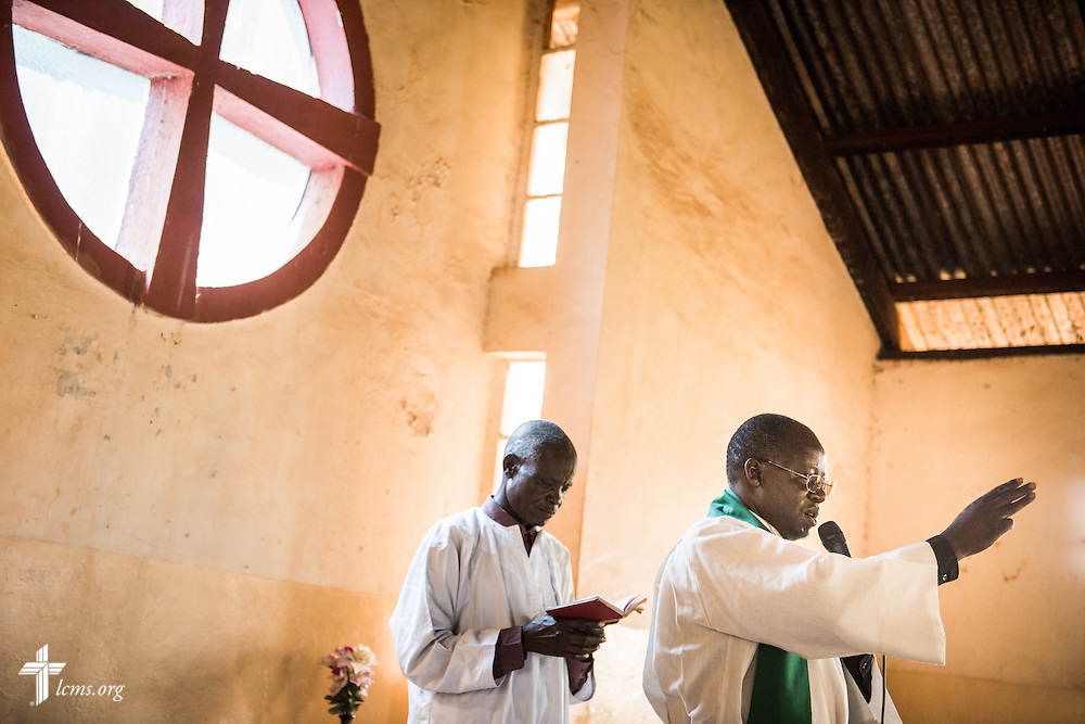 The pastor of the Othoro (ELCK) Lutheran congregation gives the benediction on Sunday, Oct. 18, 2015, in Kisumu, Kenya. LCMS Communications/Erik M. Lunsford