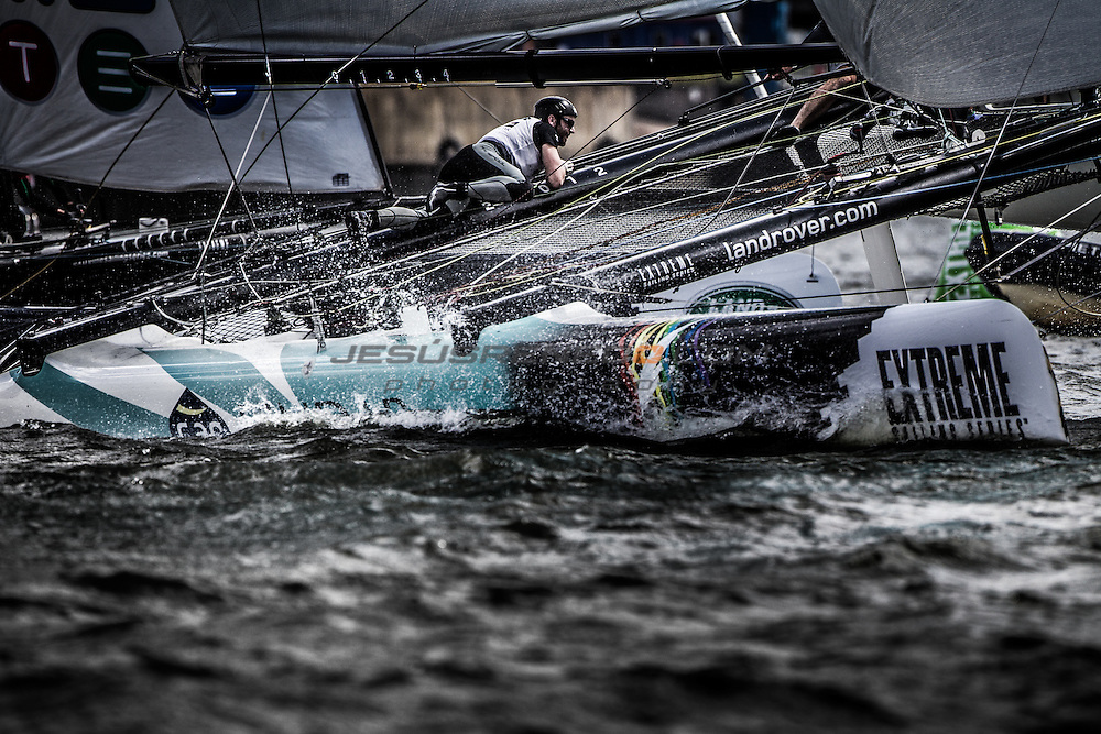 2015 Extreme Sailing Series - Act 5 - Hamburg.<br /> GAC Pindar skippered by Seve Jarvin (AUS) and crewed by Adam Minoprio (NZL), Marcus Ashley-Jones (AUS), James Wierzbowski (AUS) and James Corrie (AUS).<br /> Credit Jesus Renedo.