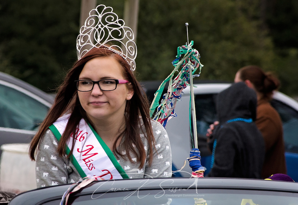 Savannah Johnson, 2016 Miss Dauphin Island, rides in the Krewe de la Dauphine Mardi Gras Parade, Jan. 28, 2017, in Dauphin Island, Alabama.  (Photo by Carmen K. Sisson/Cloudybright)