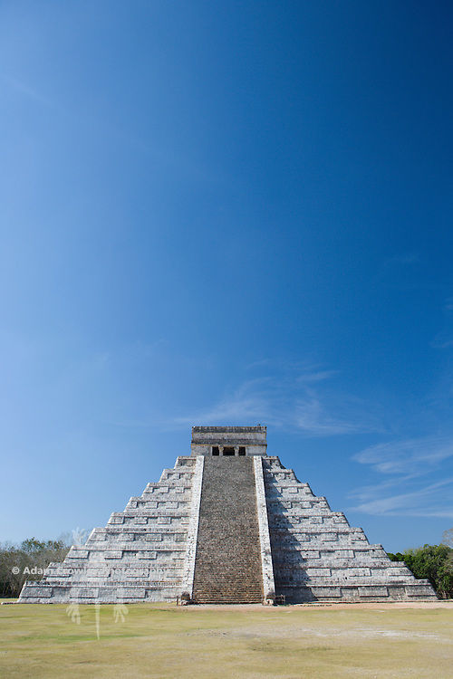 Pyramid of Kulkulkan, Chichen Itza, Yucatan, Mexico