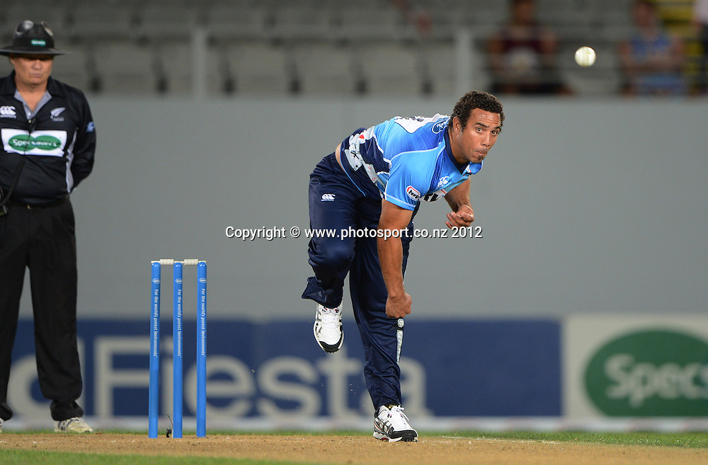 Andre Adams bowling during the HRV Cup Twenty20 Cricket match between Auckland Aces and Canterbury Wizards at Eden Park on Friday 21 December 2012. Photo: Andrew Cornaga/Photosport.co.nz