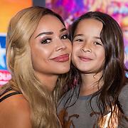 NLD/Utrecht/20190622 - Filmpremiere Toy Story 4, Amanda Balk met haar dochter Vegas van de Wall