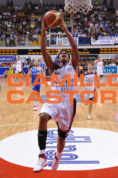 DESCRIZIONE : Biella Lega A 2010-11 Angelico Biella Enel Brindisi<br /> GIOCATORE : Edgar Sosa<br /> SQUADRA : Angelico Biella<br /> EVENTO : Campionato Lega A 2010-2011<br /> GARA : Angelico Biella Enel Brindisi<br /> DATA : 12/05/2011<br /> CATEGORIA : Tiro Schiacciata<br /> SPORT : Pallacanestro<br /> AUTORE : Agenzia Ciamillo-Castoria/S.Ceretti<br /> Galleria : Lega Basket A 2010-2011<br /> Fotonotizia : Biella Lega A 2010-11 Angelico Biella Enel Brindisi<br /> Predefinita :