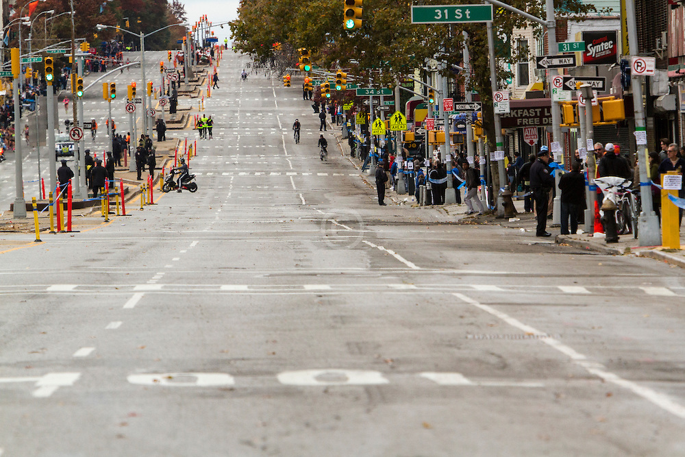 ING New York City Marathon: empty streets of Brooklyn behind leaders and chase pack