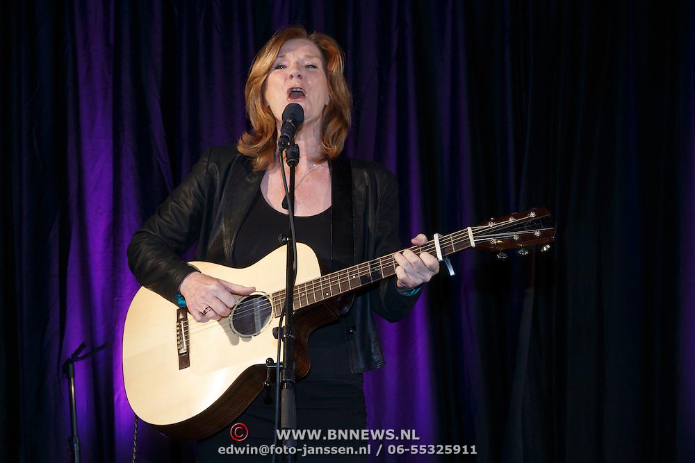 NLD/Amsterdam/20150324 -  boekpresentatie Het Grote Songfestival boek, Lenny Kurh