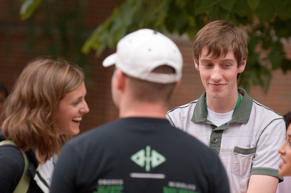 17805Campus Shots: Students.. Matt Irwin, Jessica Tyroler(white shirt),..Jessica Goodyear(left)