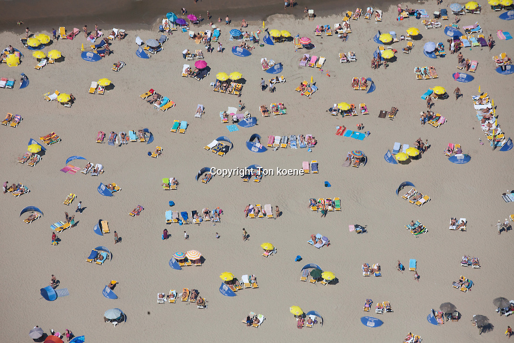 summer at the dutch seaside