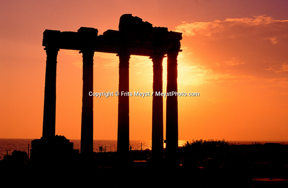 Side, Antalya, Turkey, 2004. The temple of Apollo. Many holidaymakers find their way to the Turkish riviera to enjoy the sun and Turkish hospitality. Photo by Frits Meyst/Adventure4ever.com