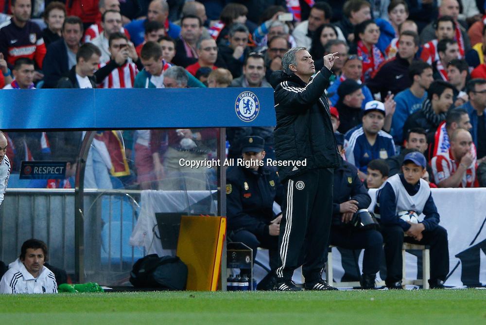 22.04.2014. Madrid, Spain. UEFA Champions League semi-final.  Atletico de Madrid versus Chelsea C.F. at Vicente Calderon stadium.  Jose Mourinho coach of Chelsea C.F.