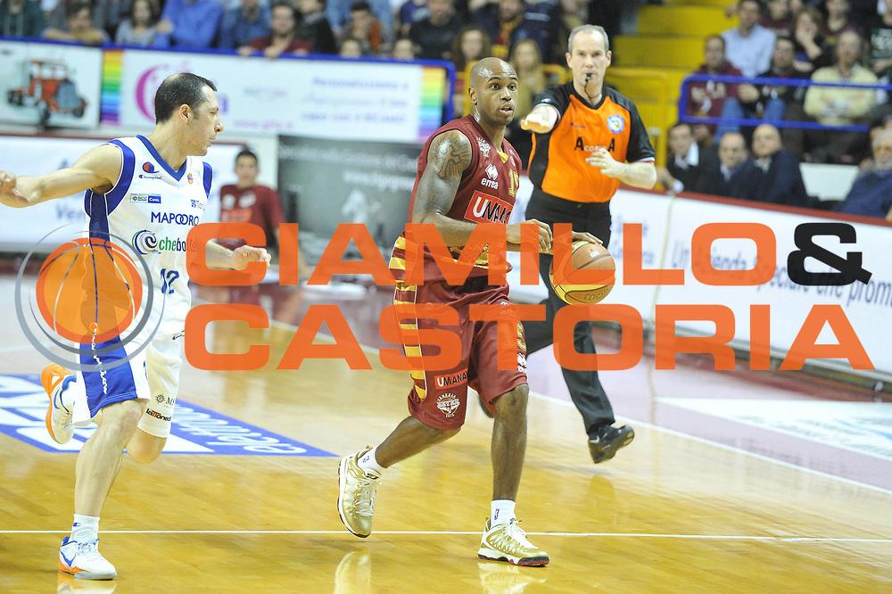 DESCRIZIONE : Venezia Lega A 2012-13 Umana Reyer Venezia Chebolletta Cantu <br /> GIOCATORE : tim bowers<br /> CATEGORIA : palleggio<br /> SQUADRA : Umana Reyer Venezia Chebolletta Cantu<br /> EVENTO : Campionato Lega A 2012-2013 <br /> GARA : Umana Reyer Venezia Chebolletta Cantu <br /> DATA : 20/01/2013<br /> SPORT : Pallacanestro <br /> AUTORE : Agenzia Ciamillo-Castoria/M.Gregolin<br /> Galleria : Lega Basket A 2012-2013  <br /> Fotonotizia : Venezia Lega A 2012-13 Umana Reyer Venezia Chebolletta Cantu<br /> Predefinita :