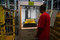 Caran d'Ache est une entreprise suisse dont le siège se situe à Thônex, dans le canton de Genève. Elle fabrique essentiellement des objets pour la papeterie, tels que des crayons et des stylos.