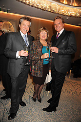 Left to right, LIONEL BLAIR and JESS & RENEE CONRAD at a tribute lunch in honour of Michael Aspel hosted by The Lady Taverners at The Dorchester, Park Lane, London on 14th November 2008.