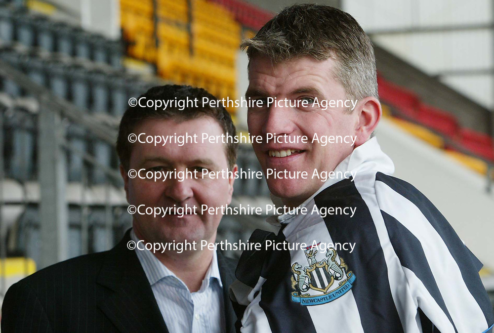 St Johnstone captain Jim Weir pictured with Hugh Taylor vice-chairman of the Jim Weir testimonial committee after announcing that Newcastle will be the opponents in Jim's testimonial game on May 11th.<br />