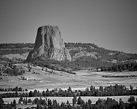 Devils Tower. Image taken with a Nikon D200 camera and 80-400 mm VR lens (ISO 100, 400 mm, f/5.6, 1/320 sec).