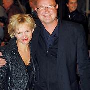 NLD/Utrecht/20051001 - Nederlands Filmfestival 2005, Premiere Johan, Renee Soutendijk en partner Ted Lenssen
