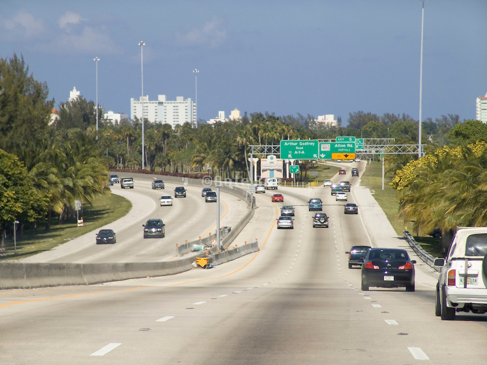 highway going in to town Miami