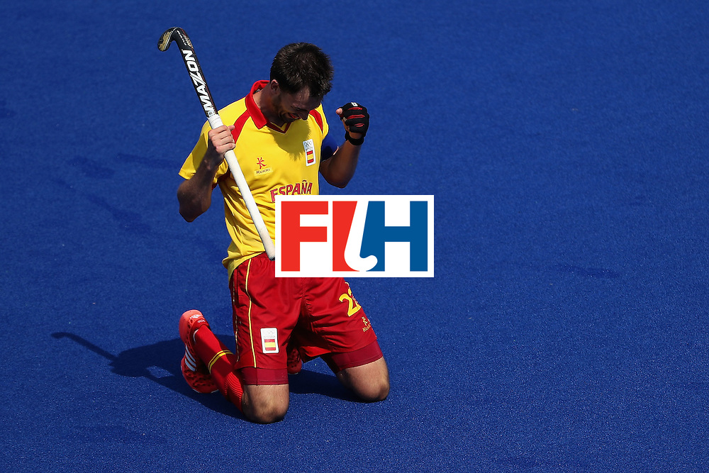 RIO DE JANEIRO, BRAZIL - AUGUST 09:  Manel Terraza #22 of Spain celebrates after defeating New Zealand 3-2 following the hockey game on Day 4 of the Rio 2016 Olympic Games at the Olympic Hockey Centre on August 9, 2016 in Rio de Janeiro, Brazil.  (Photo by Christian Petersen/Getty Images)