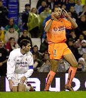 Fotball, 5. januar 2003 . Real Madrid vs Valencia (4 - 1), John Carew fortviler<br />Foto: Digitalsport