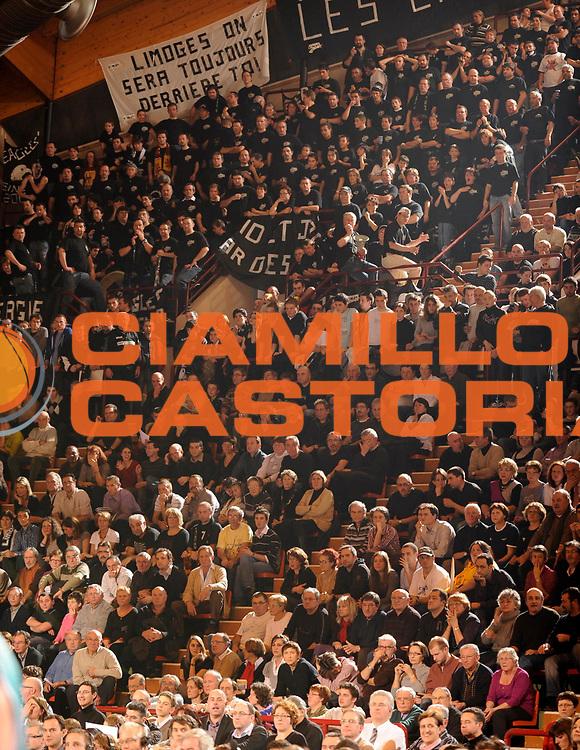 DESCRIZIONE : Ligue France Pro B Limoges Pau <br /> GIOCATORE : Supporters Limoges<br /> SQUADRA : Limoges<br /> EVENTO : FRANCE Ligue  Pro B 2009-2010<br /> GARA : Limoges Pau<br /> DATA : 29/01/2010<br /> CATEGORIA : Basketball Pro B Action<br /> SPORT : Basketball<br /> AUTORE : JF Molliere par Agenzia Ciamillo-Castoria <br /> Galleria : France Ligue Pro B 2009-2010 <br /> Fotonotizia : France  Ligue France Pro B 2009-2010 Limoges Pau<br /> Predefinita :