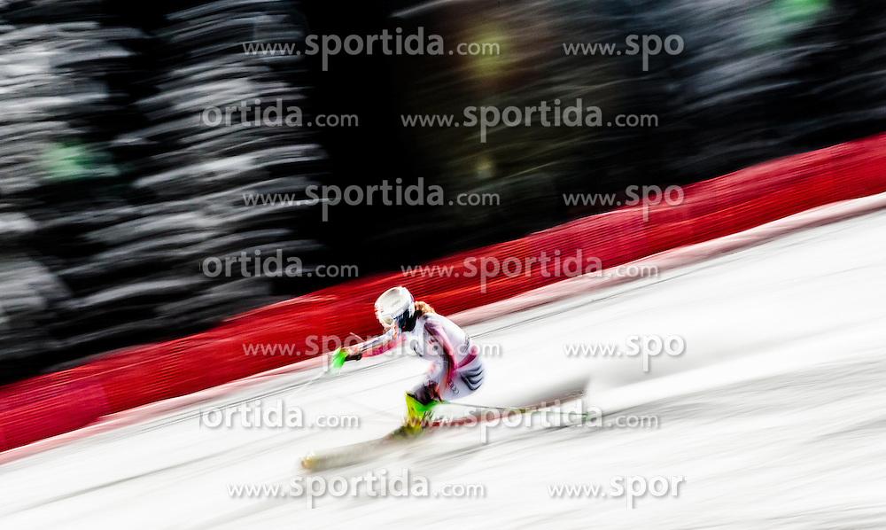 10.01.2017, Hermann Maier Weltcupstrecke, Flachau, AUT, FIS Weltcup Ski Alpin, Flachau, Slalom, Damen, 1. Lauf, im Bild Elisabeth Willibald (GER) // Elisabeth Willibald of Germany in action during her 1st run of ladie's Slalom of FIS ski alpine world cup at the Hermann Maier Weltcupstrecke in Flachau, Austria on 2017/01/10. EXPA Pictures © 2017, PhotoCredit: EXPA/ Johann Groder