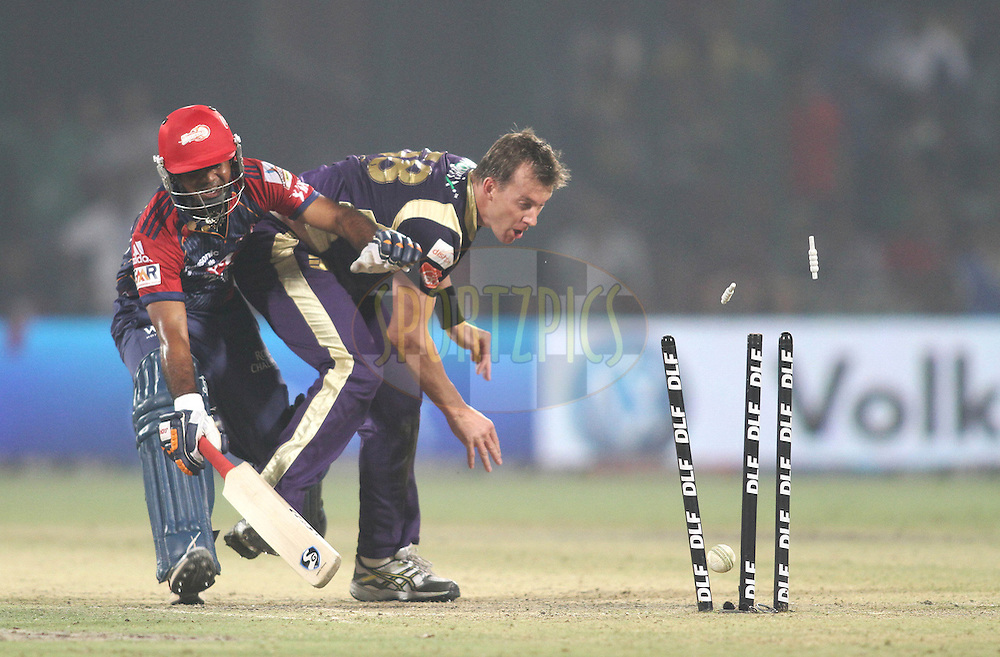 Brett Lee of the Kolkata Knight Riders runs out Venugopal Rao of the Delhi Daredevils during match 33 of the Indian Premier League ( IPL ) Season 4 between the Delhi Daredevils and the Kolkata Knightriders held at the Feroz Shah Kotla Stadium in Delhi, India on the 28th April 2011..Photo by Shaun Roy/BCCI/SPORTZPICS