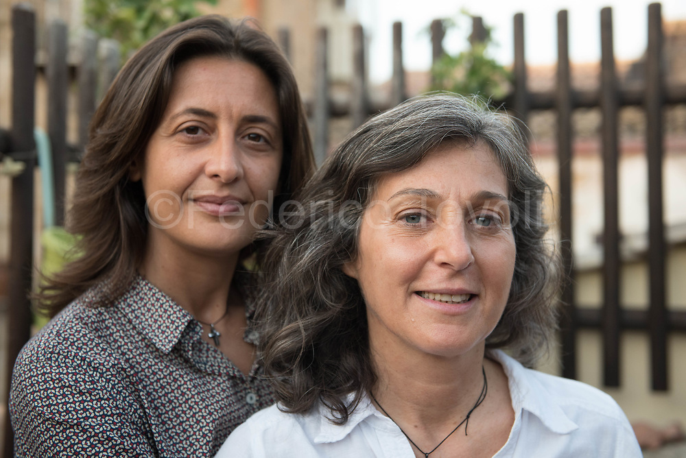Elisabetta Cinà and Serenella Fiasconaro are the first lesbian couple united in the commune of Palermo, the community has accepted the formalization of their relationship that they live happily as any other ethereal couple in the center of Palermo.
