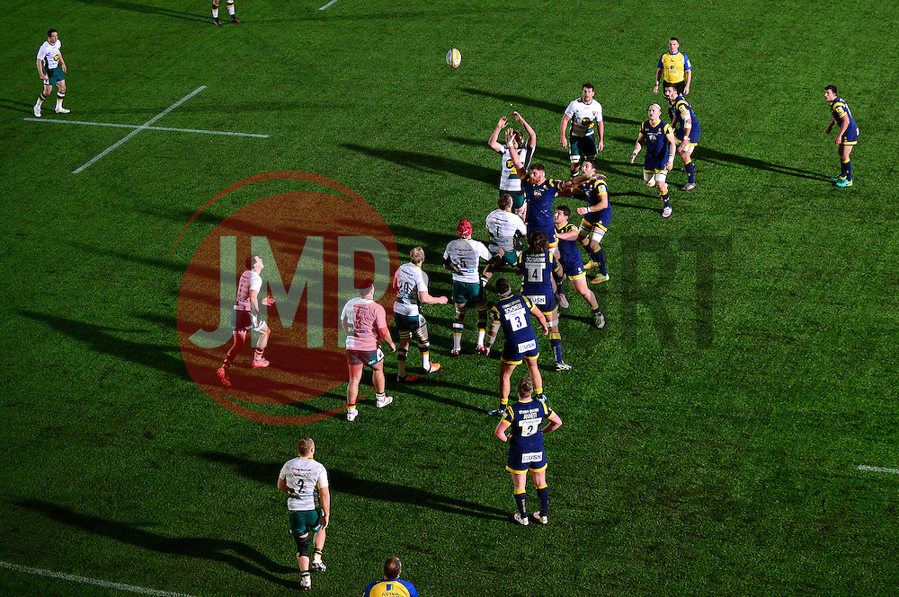 Line out - Mandatory by-line: Dougie Allward/JMP - 18/11/2016 - RUGBY - Sixways Stadium - Worcester, England - Worcester Warriors v Northampton Saints - Aviva Premiership