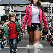NLD/Amsterdam/20120902 - Grazia PC Catwalk 2012, Levi, dochter van Sylvana Simons