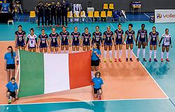 26-05-2017 NED: Nederland - Italie, Apeldoorn<br /> Kick off voor het Nederlands vrouwenteam begon met een oefenwedstrijd in Apeldoorn. Italië werd met 3-1 verslagen / Line up Italie